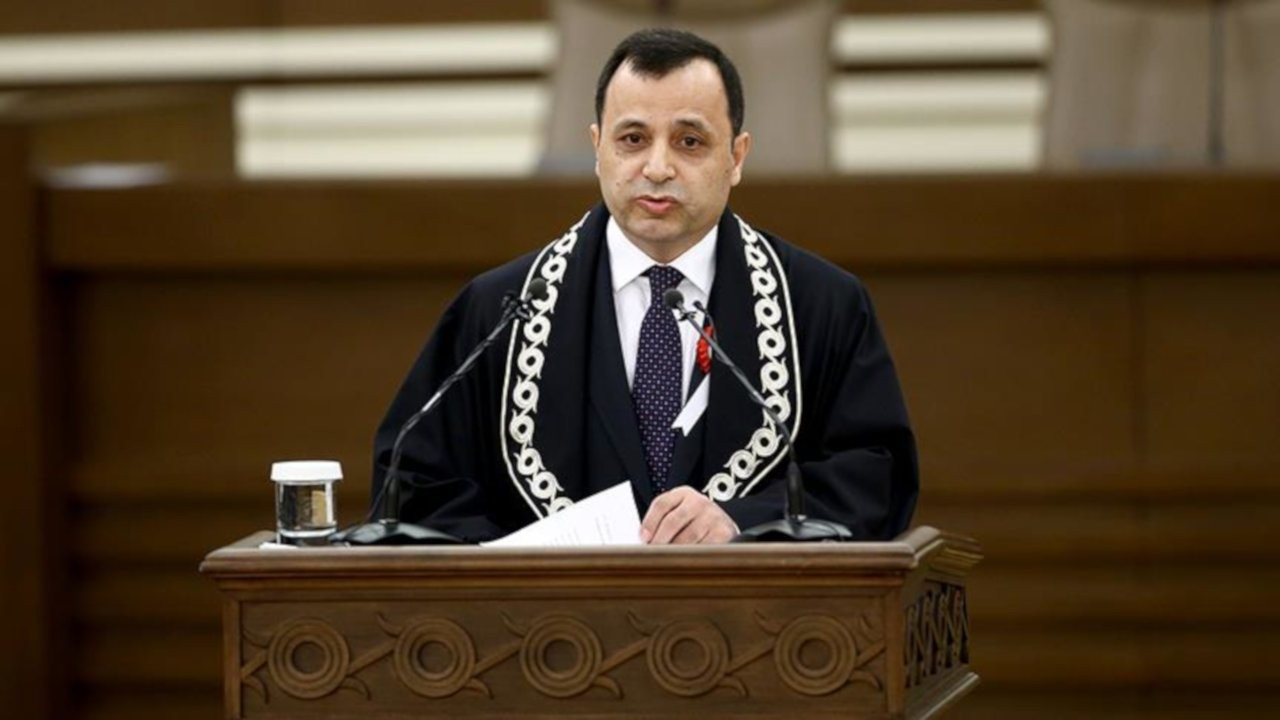 'Çoklu baro'da AYM Başkanı'nın karşı oyu: Dengeli temsil yok
