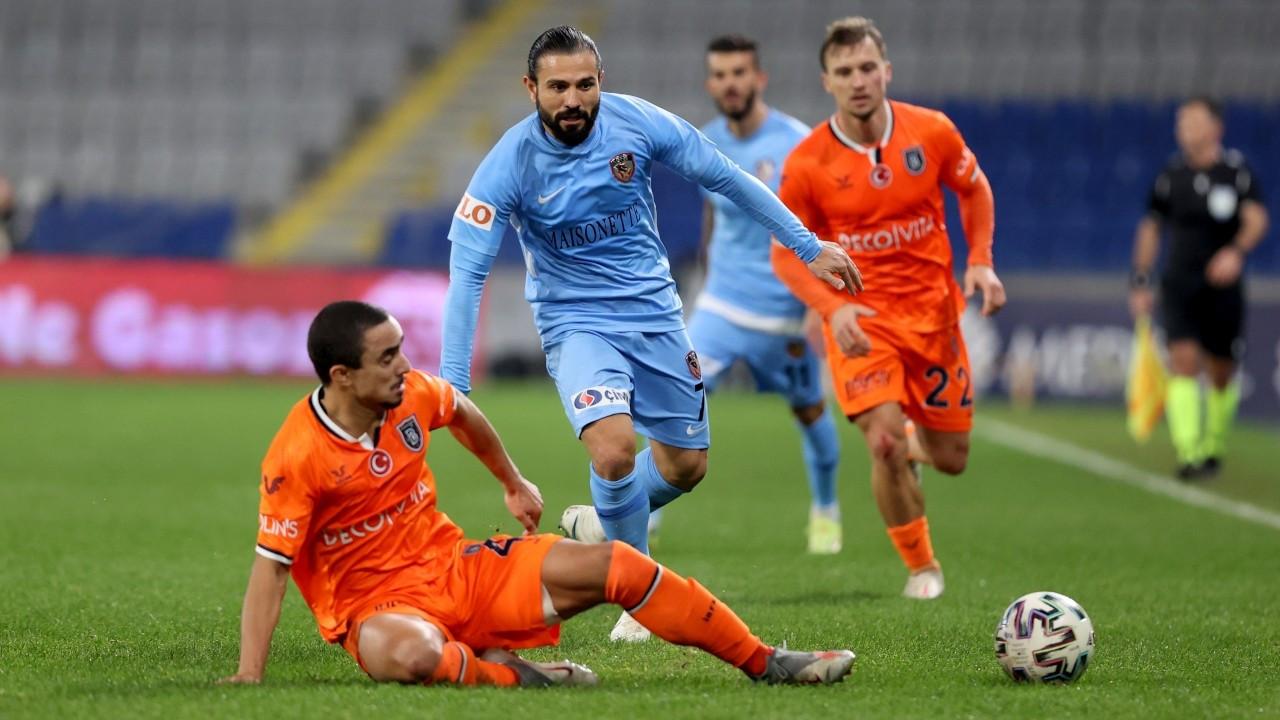 Başakşehir sahasında Gaziantep'e 2-1 yenildi