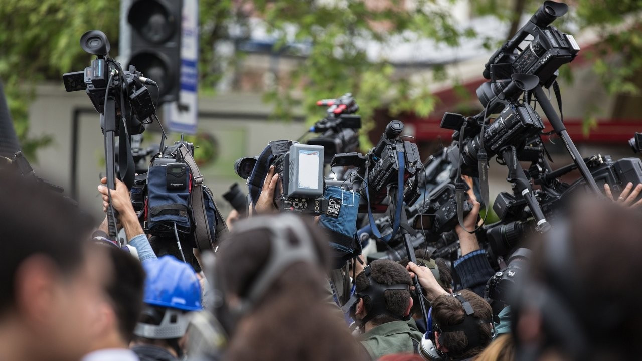 130'dan fazla gazeteci korona haberlerinden tutuklandı