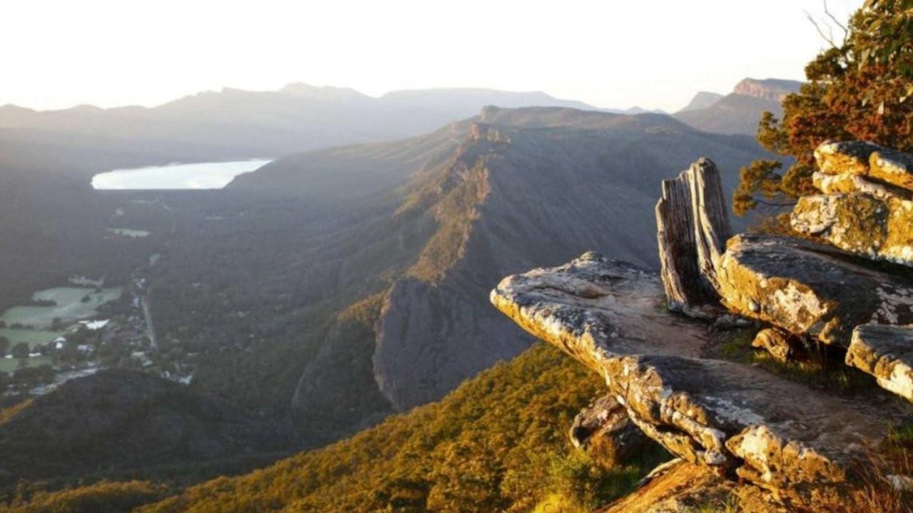 Avustralya'da fotoğraf çekerken uçurumdan yuvarlandı