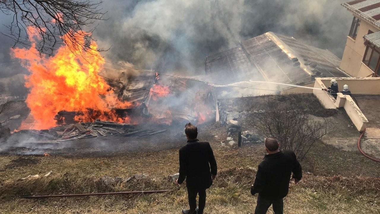Rize'nin Gölyayla köyünde yangın