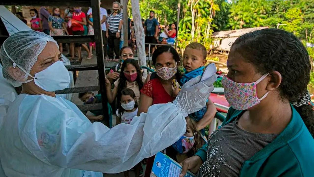 Zenginler stokladı: Yoksul ülkelere 2022'ye kadar aşı yok