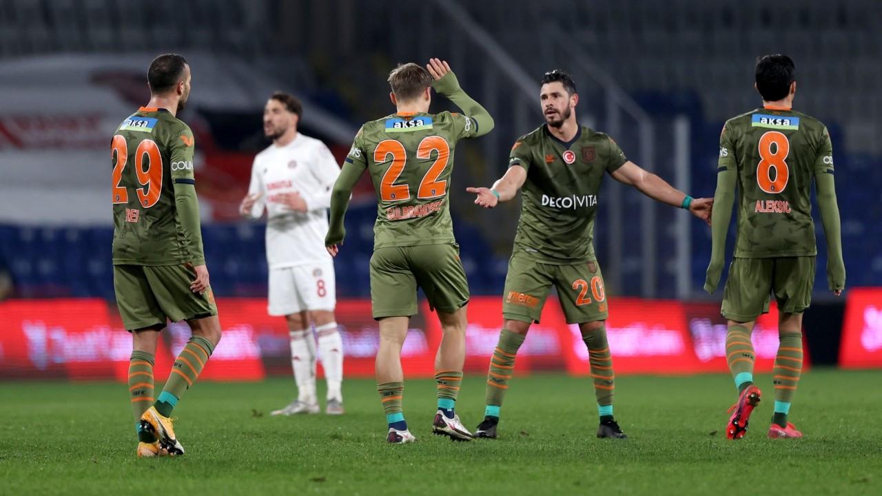 Başakşehir kupada farklı kazandı: 7-0