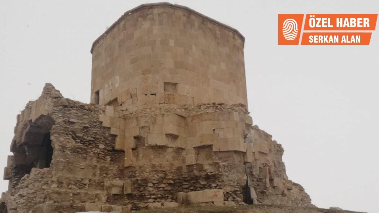 Depremde zarar gören Ermeni kilisesi onarılmıyor