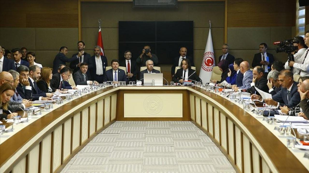 Meclis'te 'hızlı üretim' tartışması: Burası tuğla fabrikası değil