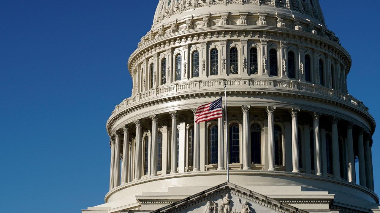 ABD'de 900 milyar dolarlık destek paketinde anlaşma sağlandı