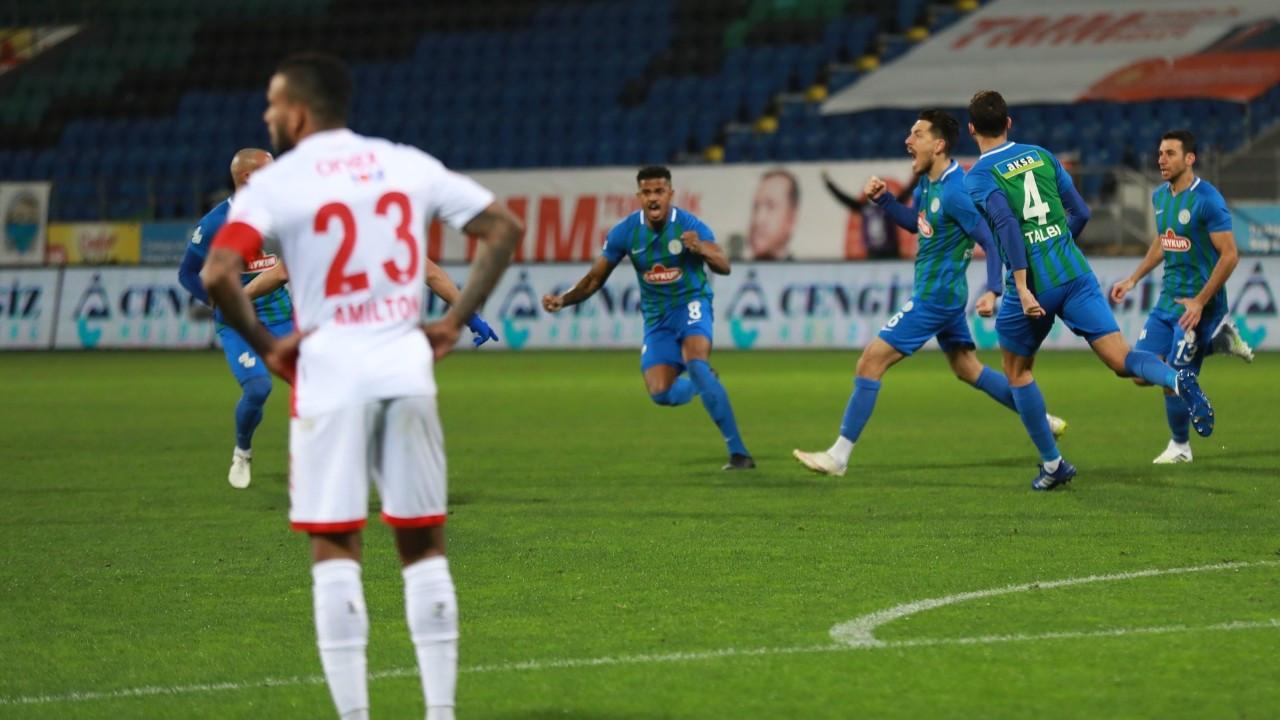 Çaykur Rizespor, Antalyaspor'u mağlup etti