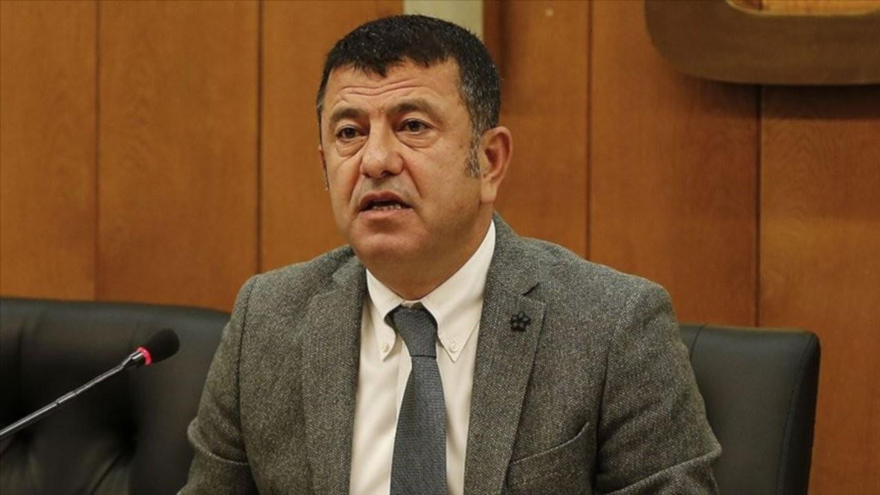 Ağbaba: Saray yeni yılda işçilere 'kuru ekmek' hediye etti