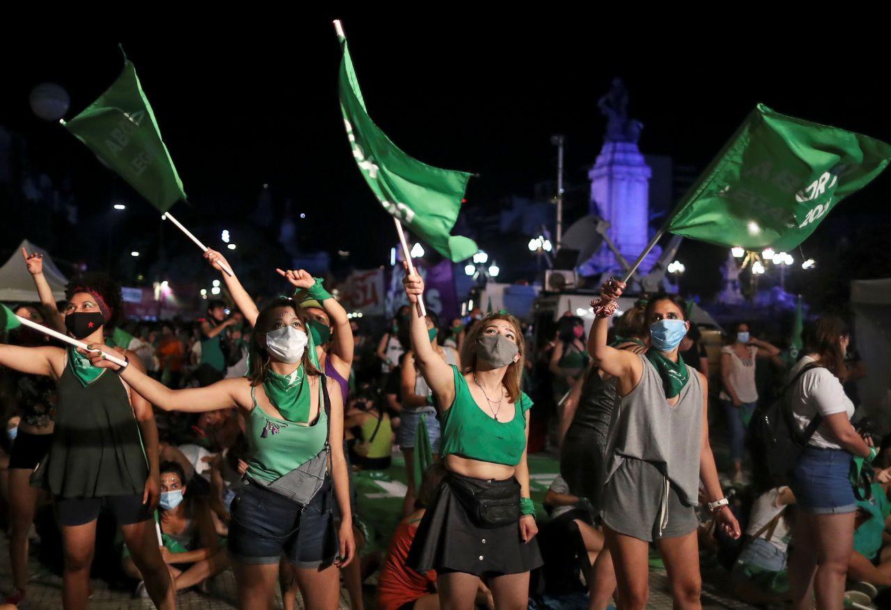 Arjantin kürtaj hakkını kutluyor: 'Bir daha gizli kürtaj nedeniyle bir kadın bile ölmeyecek' - Sayfa 1