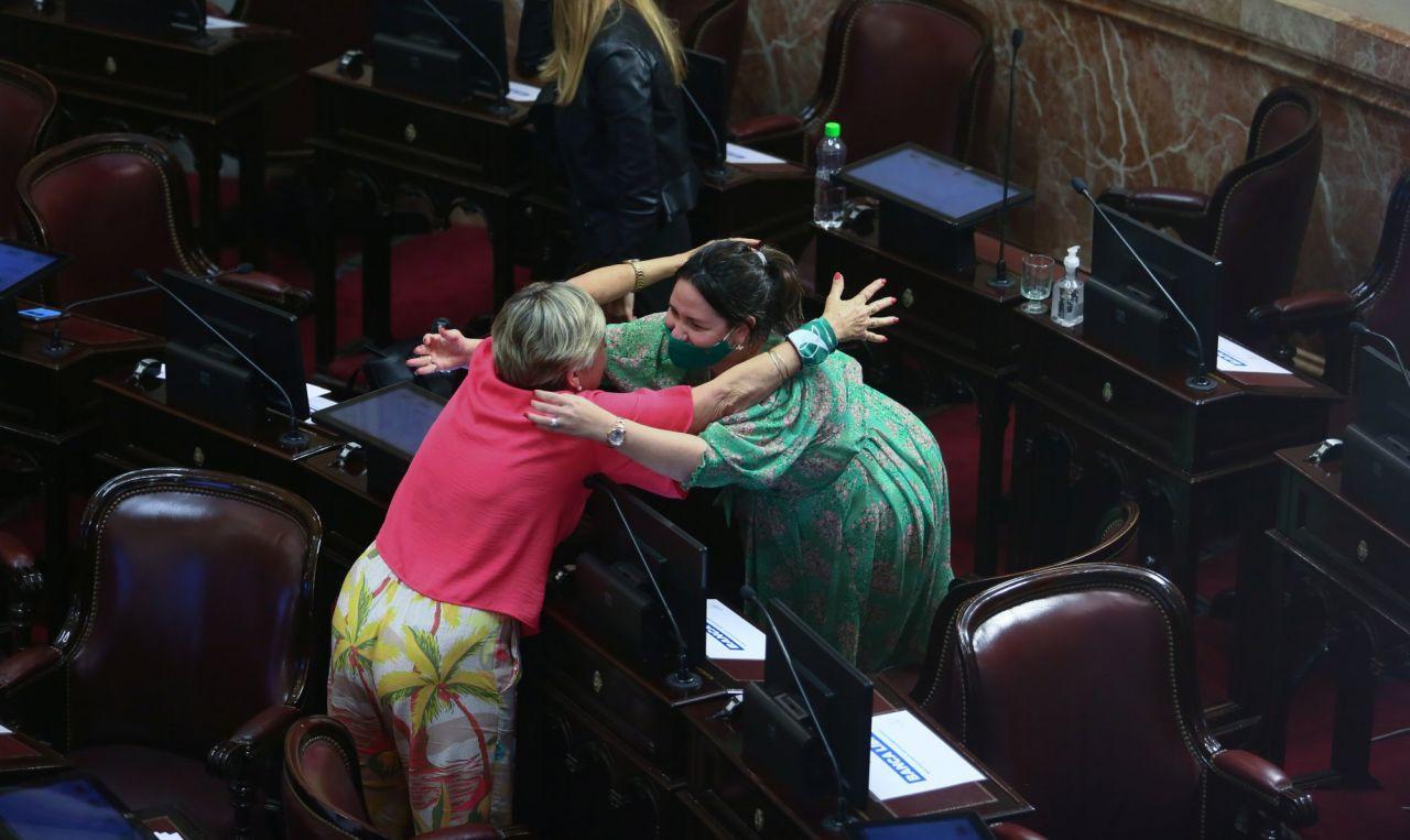 Arjantin kürtaj hakkını kutluyor: 'Bir daha gizli kürtaj nedeniyle bir kadın bile ölmeyecek' - Sayfa 4