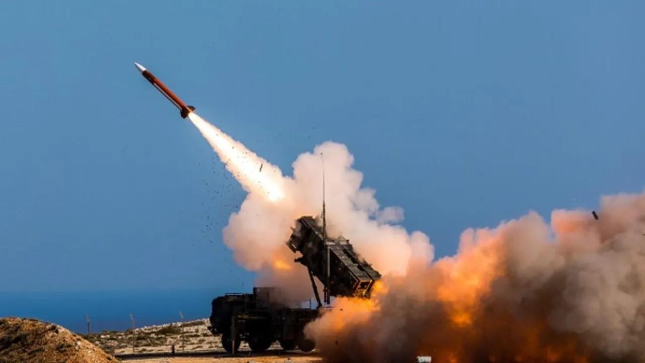 İsrail Ordusu: Suriye'den füze atıldı, bataryaları vurduk
