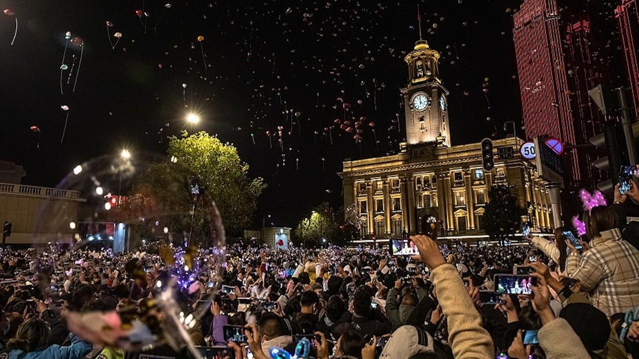 Wuhan'da yeni yıl partisi