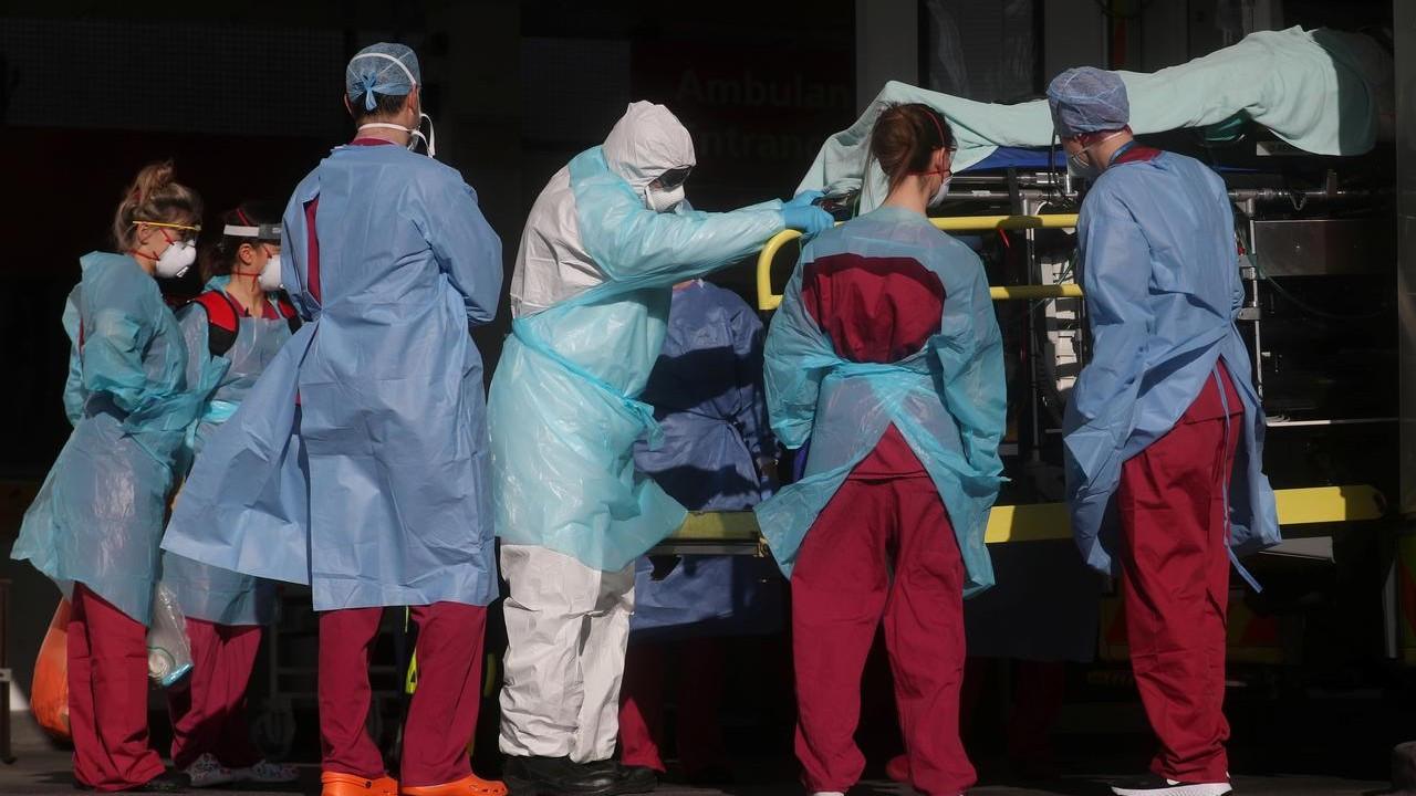 İngiltere'de Covid hastaları 'kurayla' tedavi edilecek