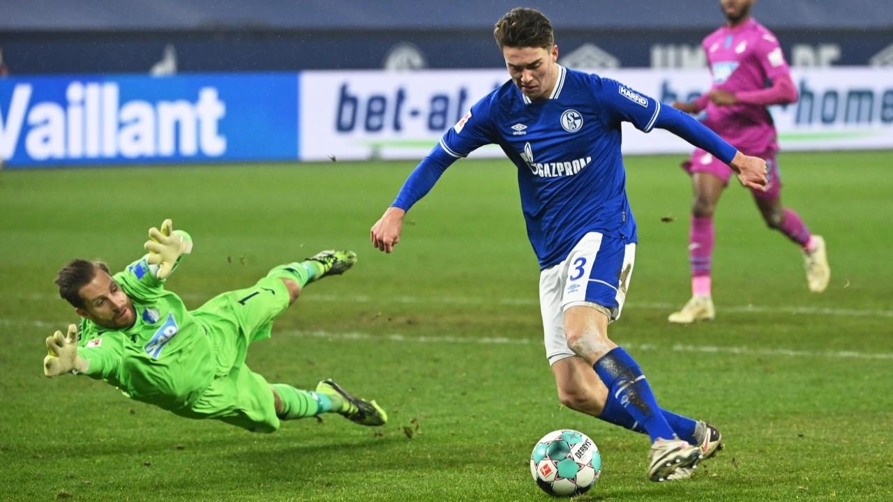 Schalke 04, ligde 30 maç aradan sonra kazandı