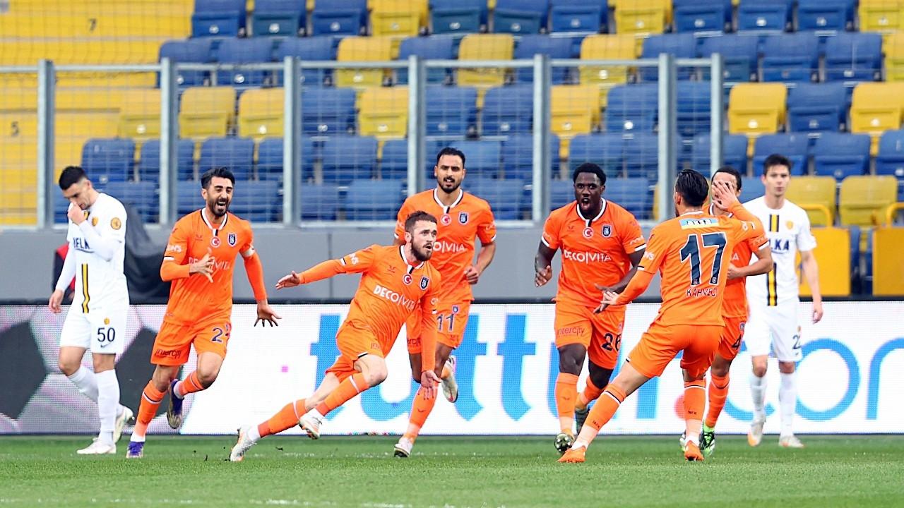 Başkentteki mücadelede gülen taraf Başakşehir oldu: 2-1