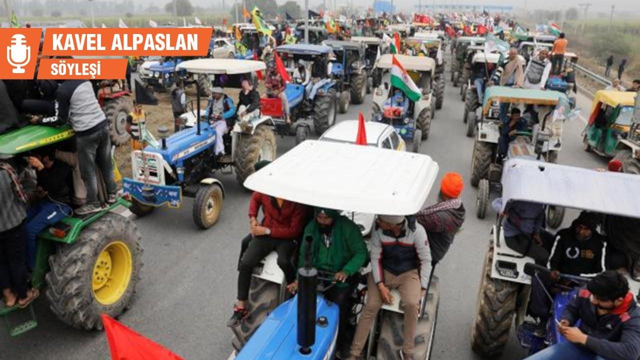 Hindistan grevinde son durum: Binlerce traktör hükümet binasına girmeye hazır