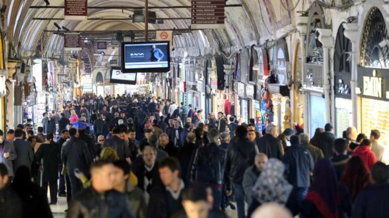 İstanbulluların yüzde 56,5'i geçinecek kadar kazanamadığını söyledi