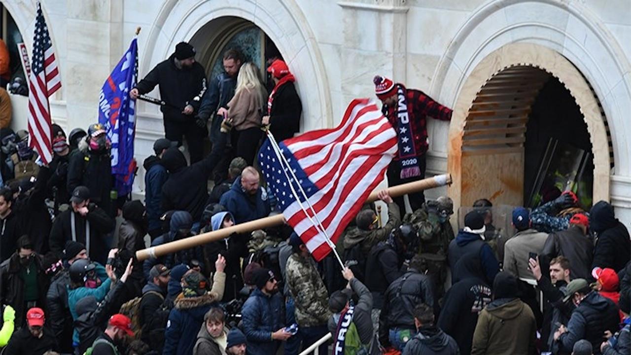 FBI: 50 eyaletin kongrelerinde silahlı protesto planlanıyor
