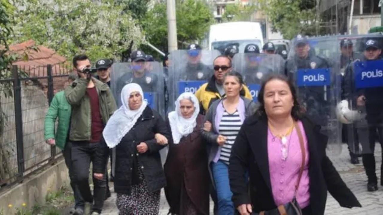 Annelere kötü muamele gösteren polisler soruşturulacak