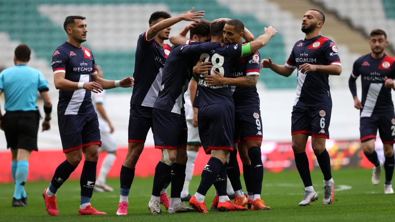 Antalyaspor, Türkiye Kupası'nda çeyrek finale yükseldi