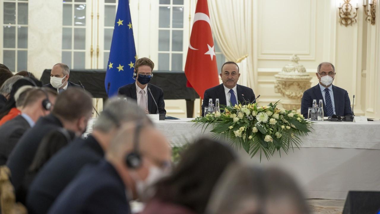 Çavuşoğlu reformlar için AB'den destek istedi