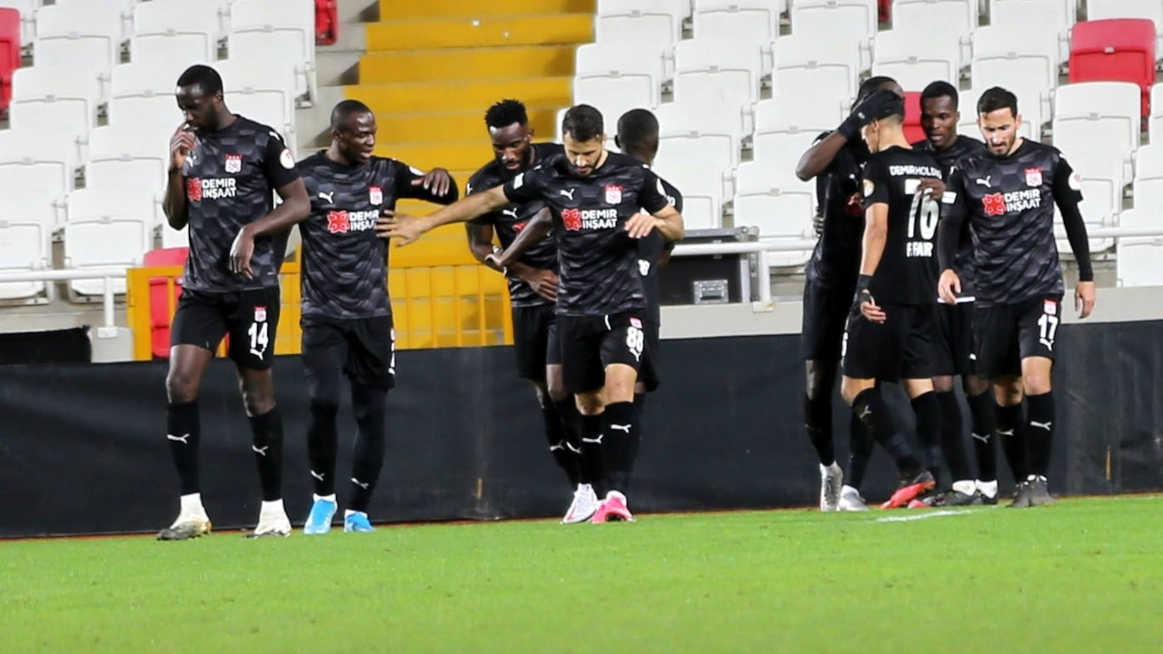 Sivasspor, turu uzatmalarda geçti