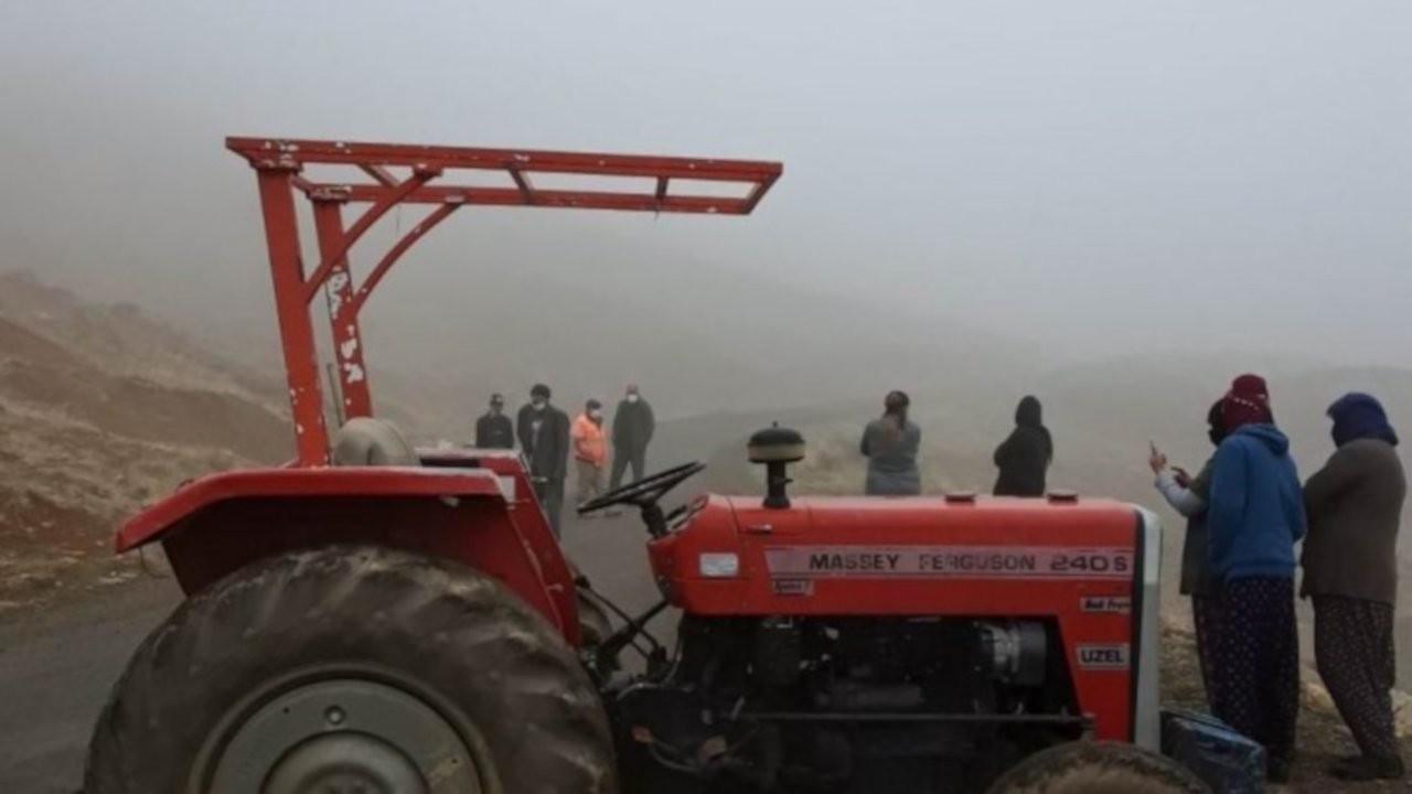Dersim'de maden ocağına karşı çıkan köylüler yol kapattı