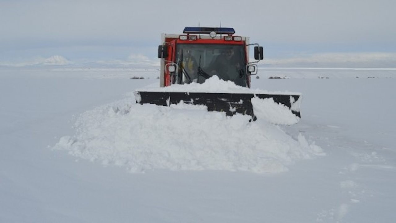 Sivas'ta 388 köy yolu kar nedeniyle ulaşıma kapandı