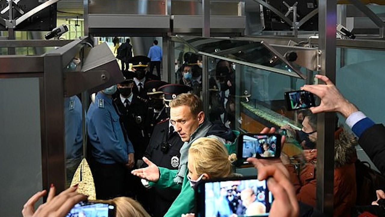 Muhalif lider Navalnıy gözaltına alındı