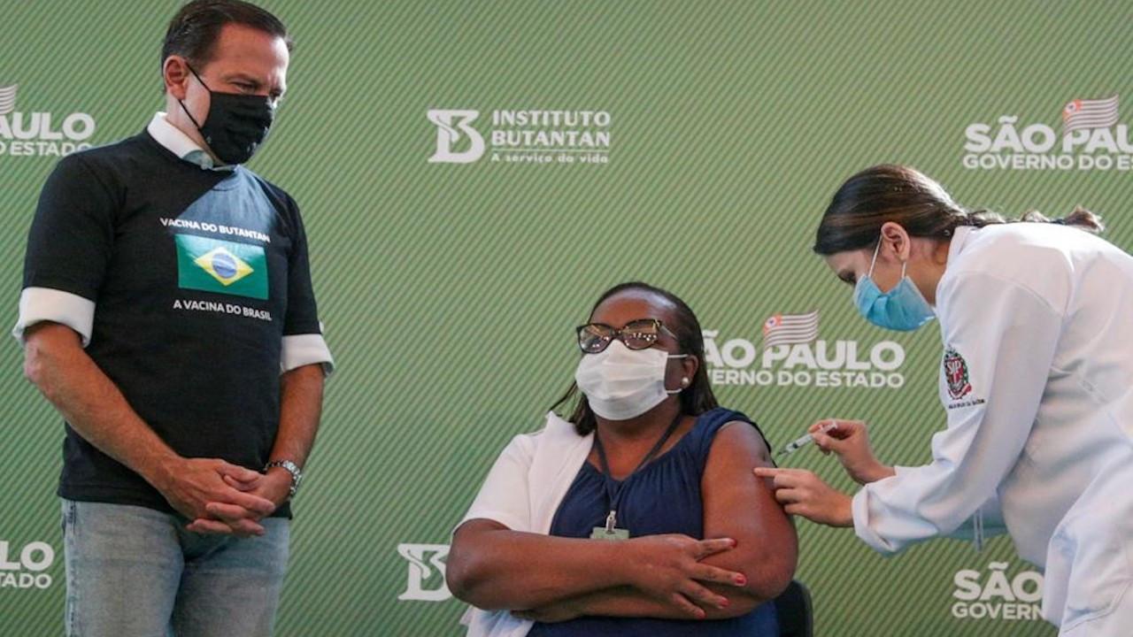 Brezilya'da CoronaVac aşısına 'acil kullanım onayı' verildi