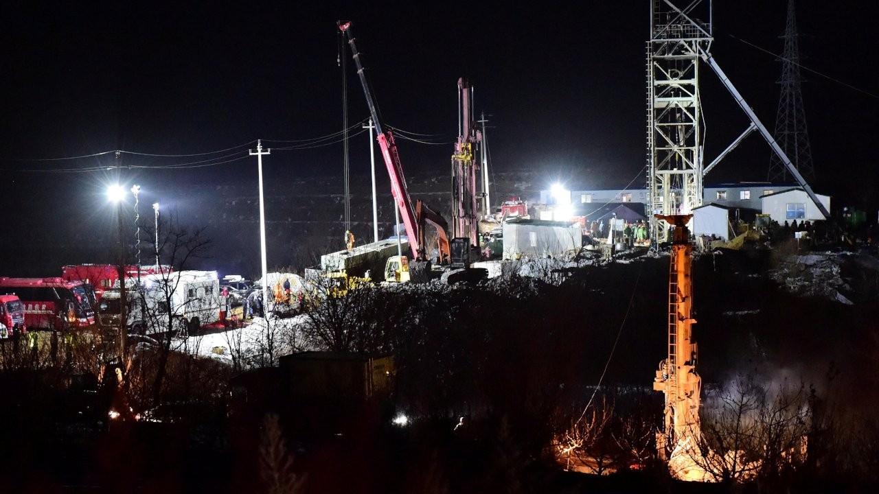 Enkaz altında kalan madencilerden yedi gün sonra mesaj: Hayattayız