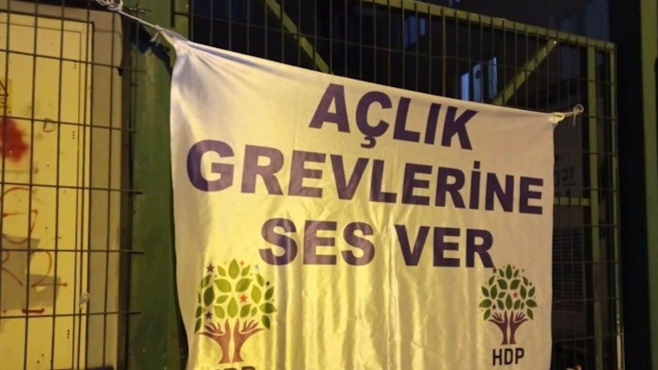 HDP'nin İstanbul ilçe binalarına polis baskını