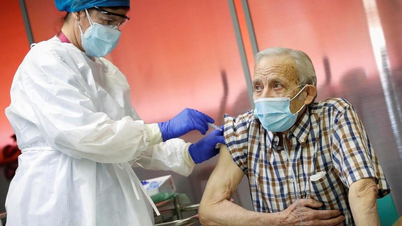 DSÖ: Pfizer/BioNTech aşısı yaşlılar için güvenli