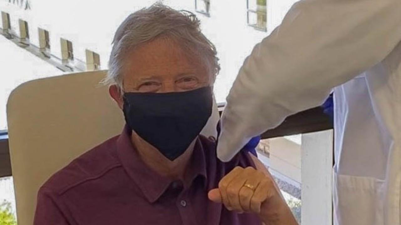 Bill Gates de aşı yaptırdı