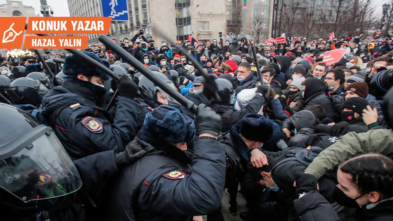 Rusya: İktidarla kitleler arasında rıza ilişkilerinde bir kırılma mı?
