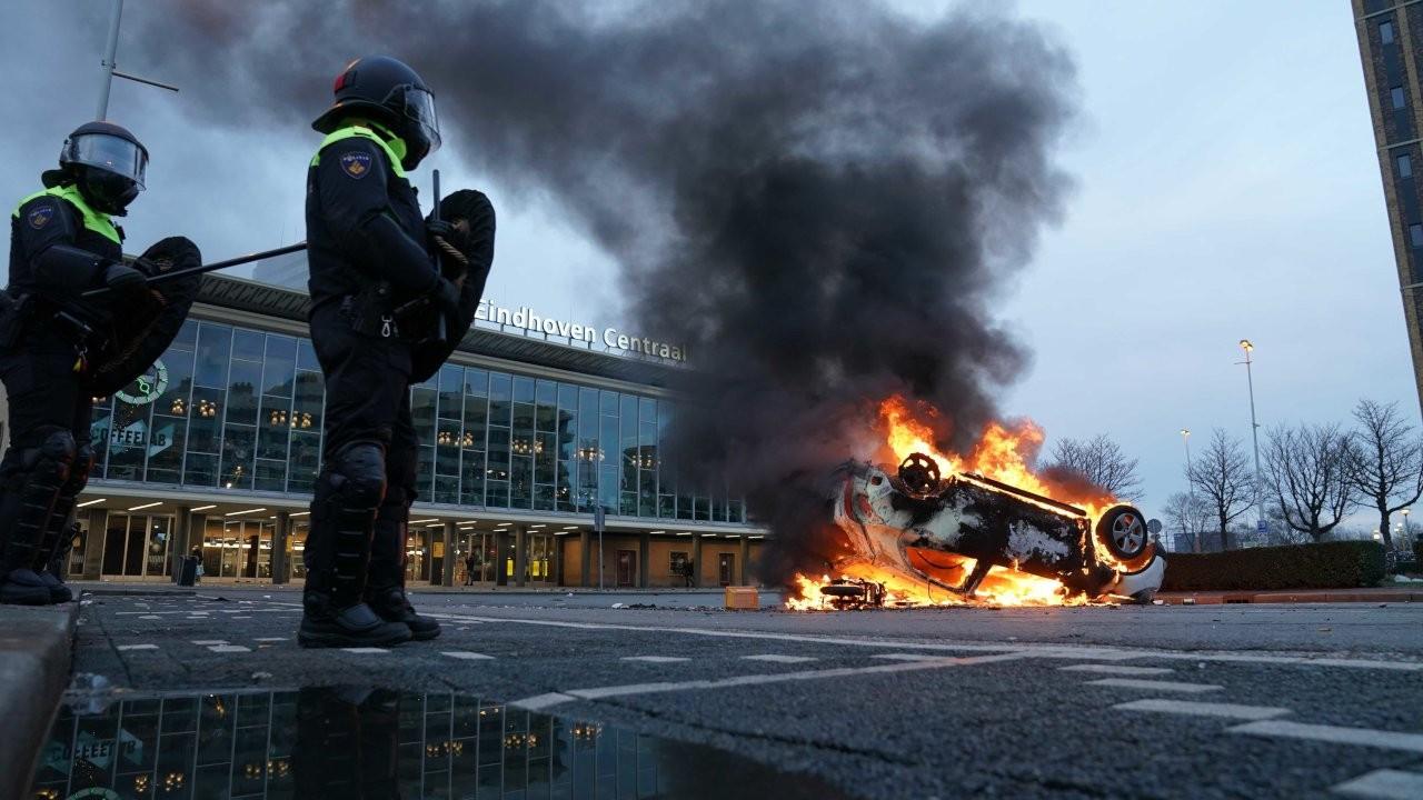 Hollanda'da 15 kentte acil durum ilan edildi