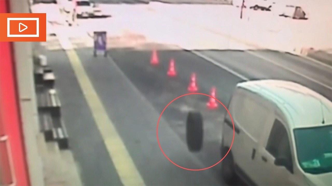 Otobüs durdu, tekerleri durmadı: Bir yaralı, 3 araçta hasar var