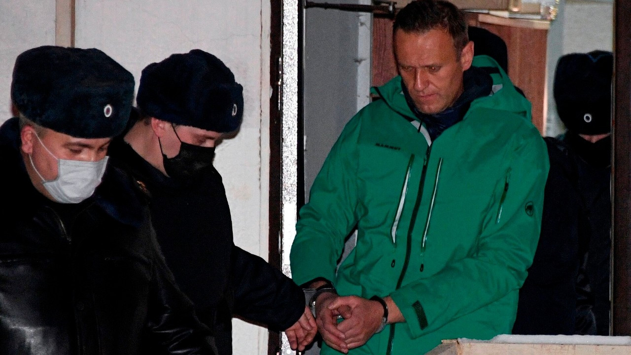 Rus muhalif siyasetçi Navalni açlık grevine başladı