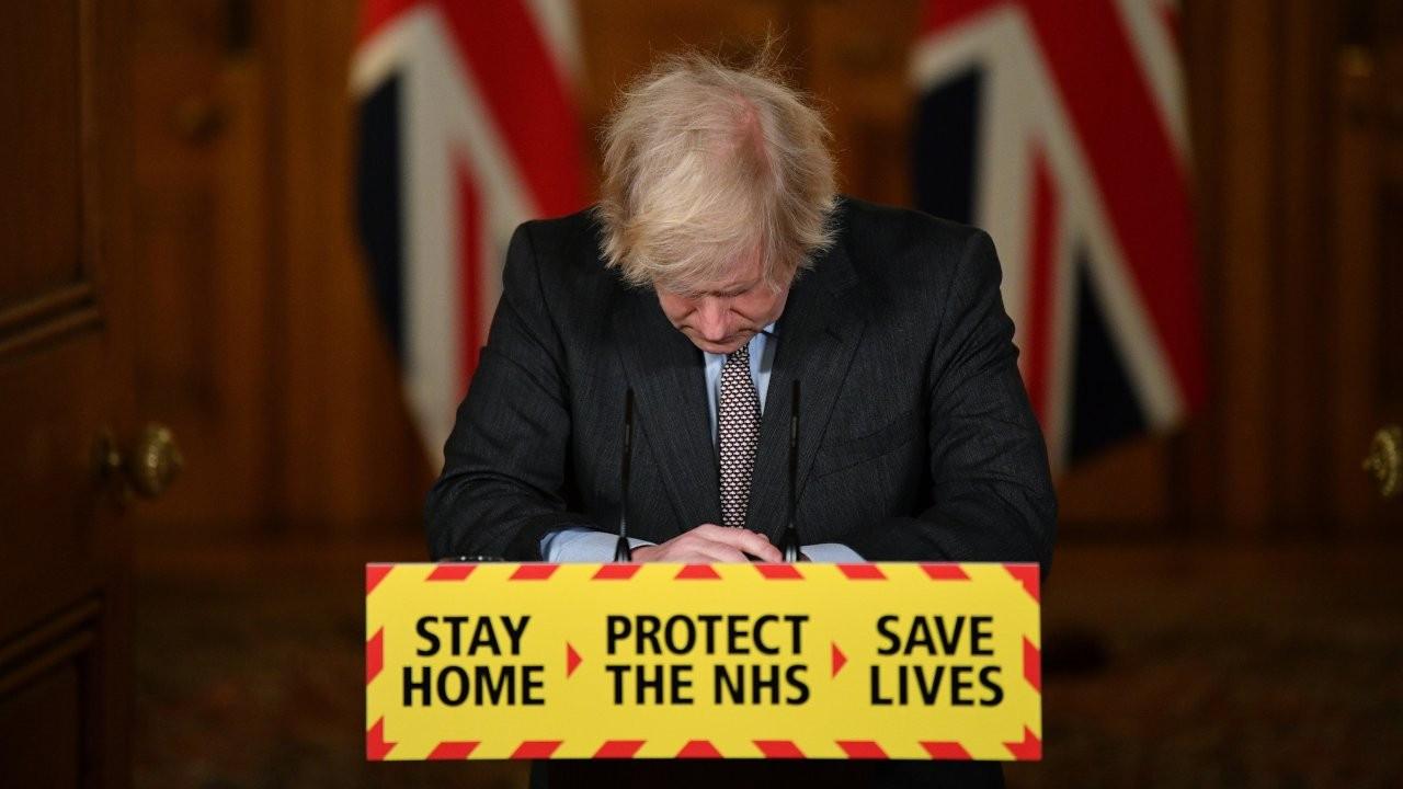 İngiltere'de Covid-19 kaynaklı ölümler 100 bini aştı