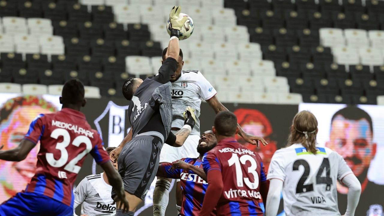 Beşiktaş sahasında Trabzonspor'a 2-1 yenildi