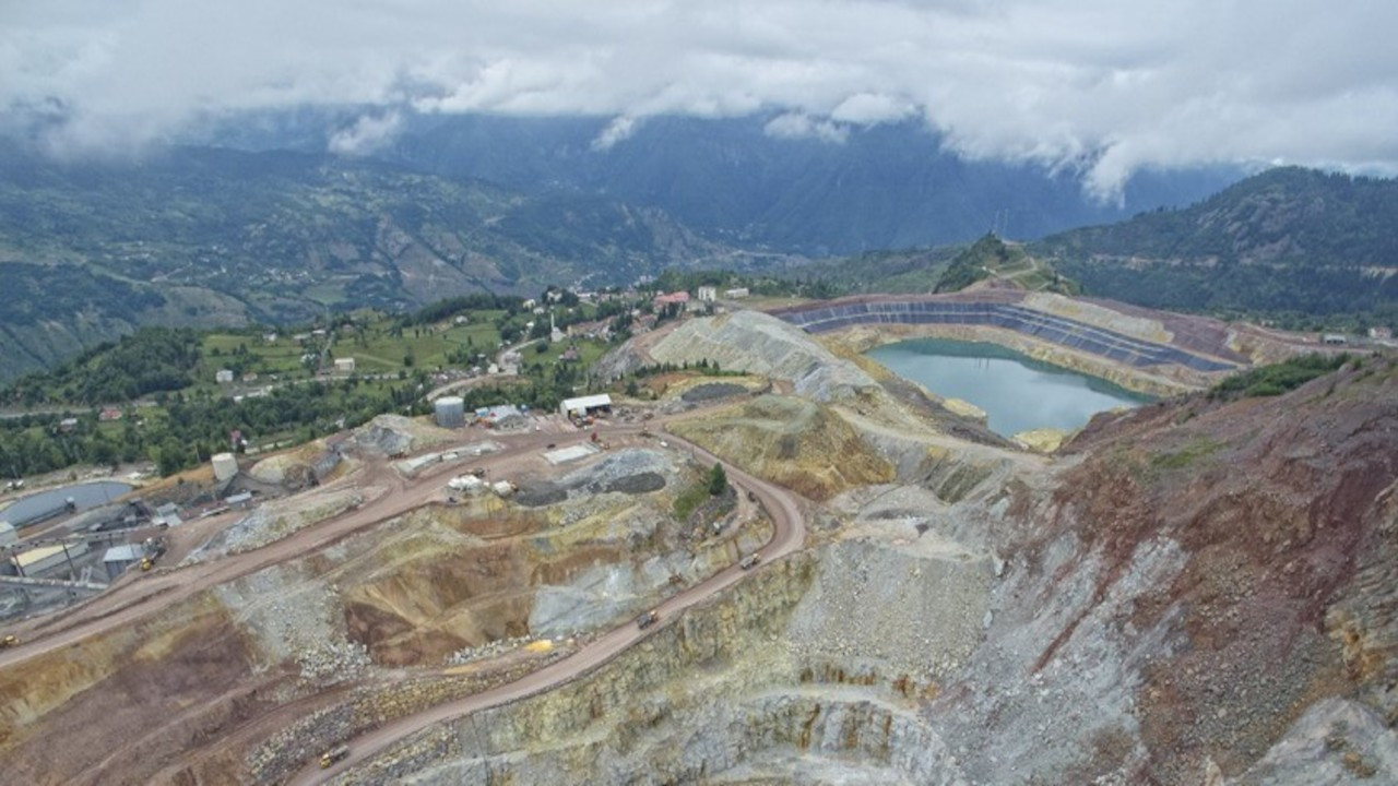 Murgul'da içme suyuna kimyasal karıştı: Atık barajında sızıntı korkusu