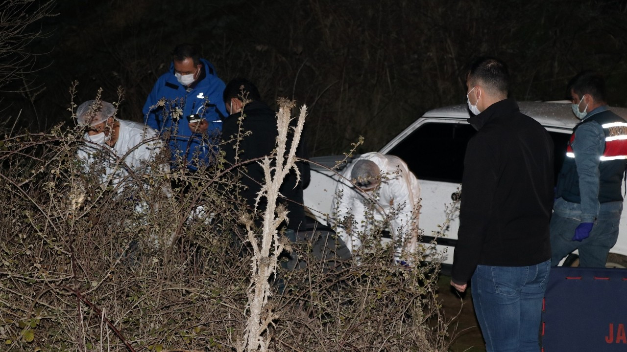 Manisa'da tarla yolunda 4 ceset bulundu: Üçü başından vurulmuş