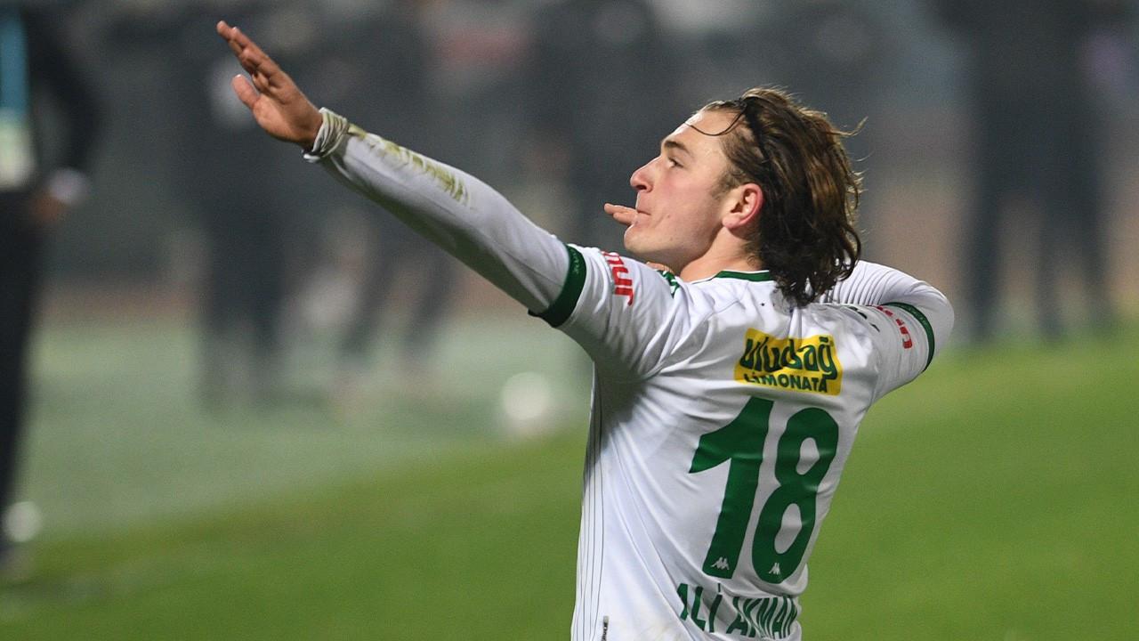 Eintracht Frankfurt Ali Akman'ı kadrosuna kattı