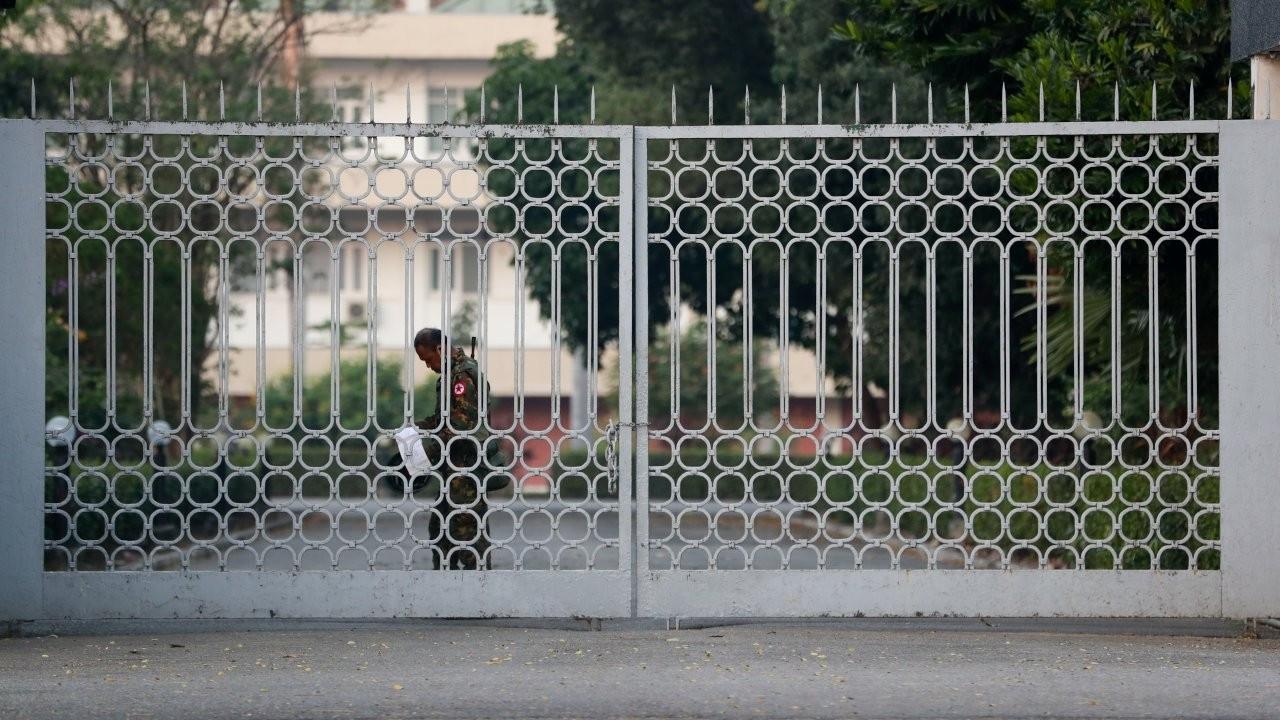 Myanmar'da askeri darbe: Ülke lideri gözaltında