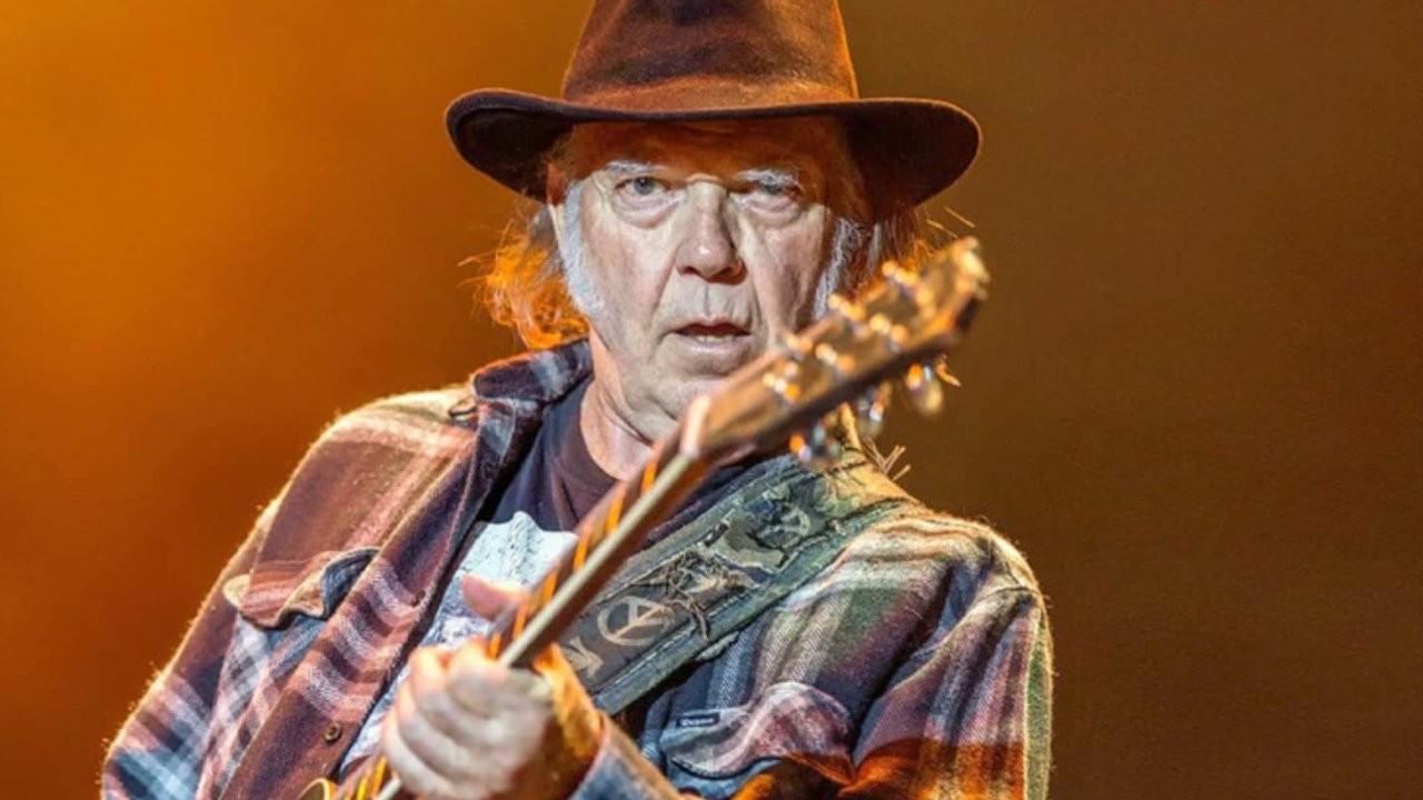Neil Young arşivinden yeni derleme albüm