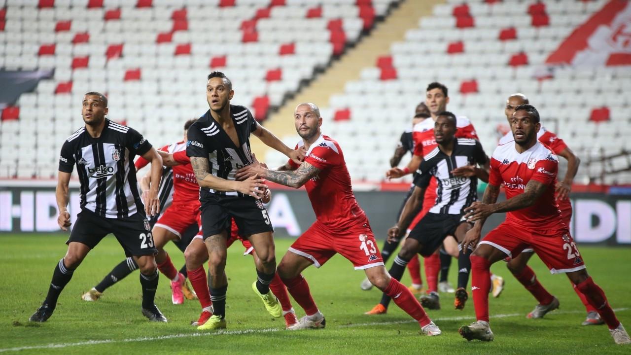 Beşiktaş, Antalya'dan 1 puanla dönüyor