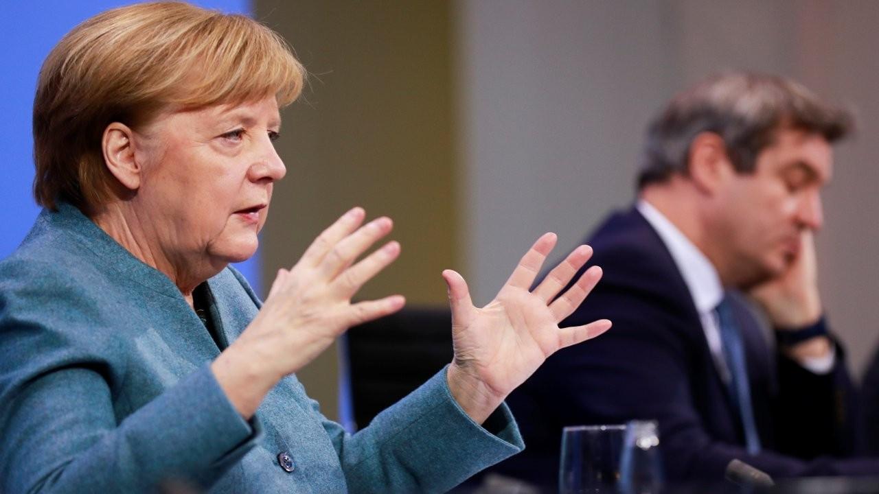 Merkel: İzin çıkarsa Rus aşısını kullanabiliriz