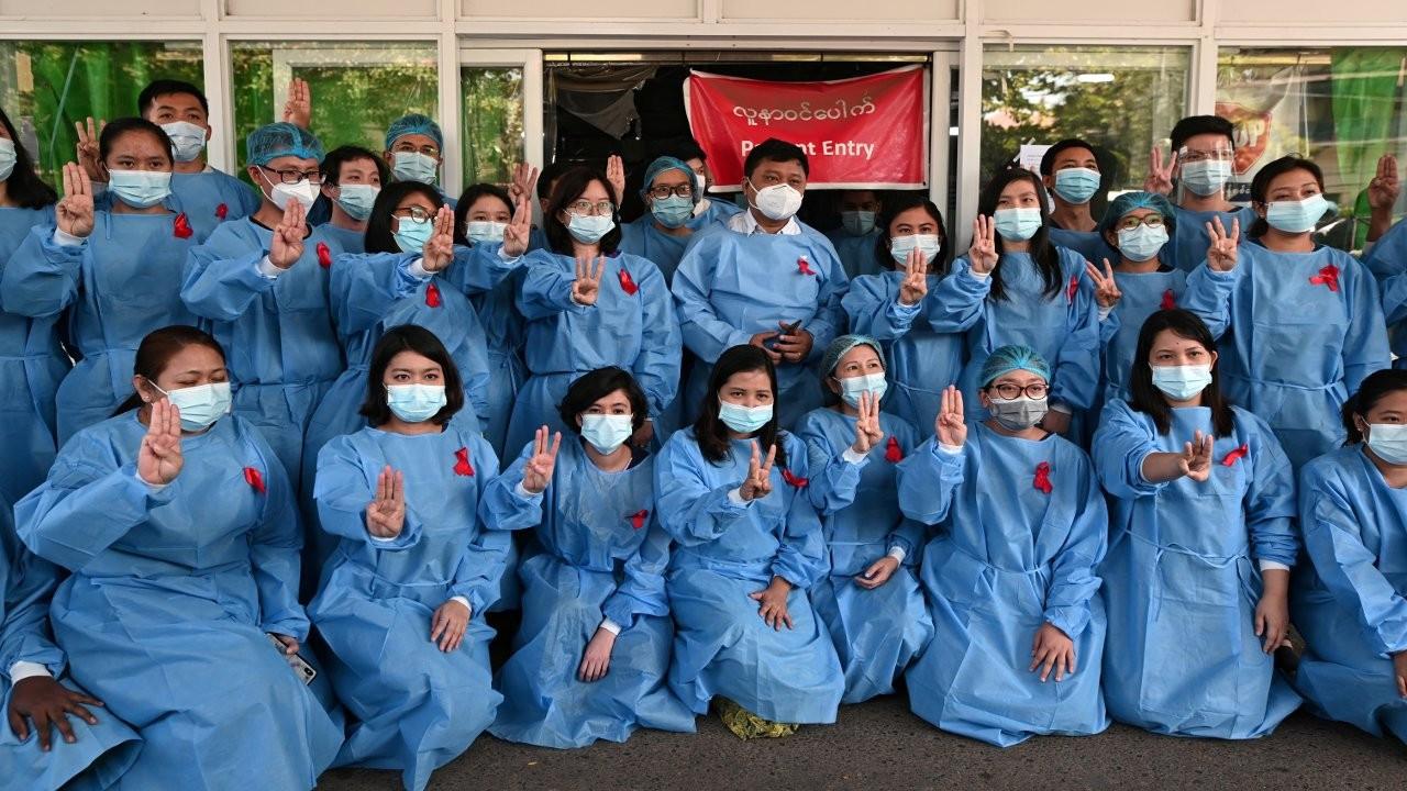 Myanmar'da darbecilere karşı sivil itaatsizlik: Doktorlar iş bıraktı