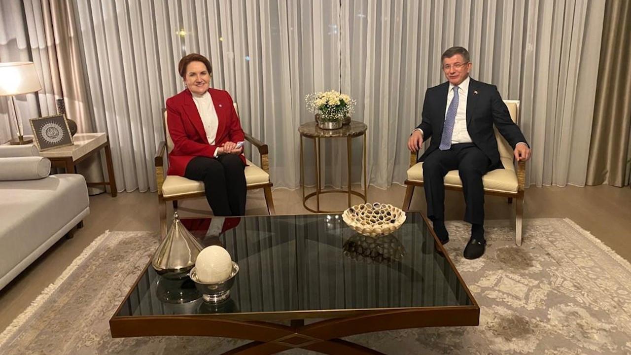 Meral Akşener, Davutoğlu'nu evinde ziyaret etti