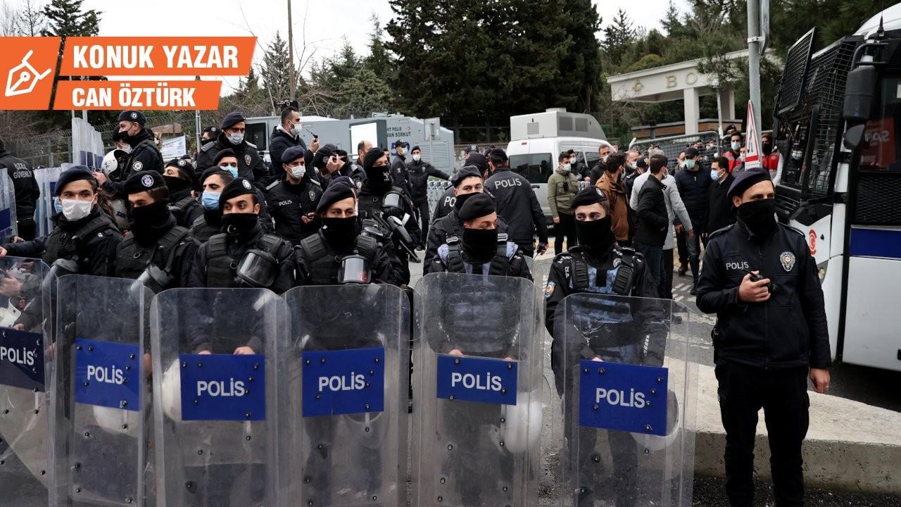 Yeni Türkiye'nin barbarları: Üniversite öğrencileri